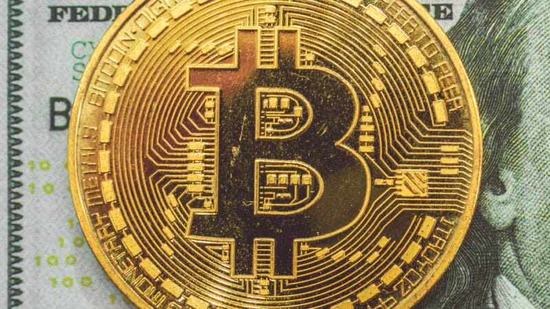 bitcoin escroc refus donner mot passe